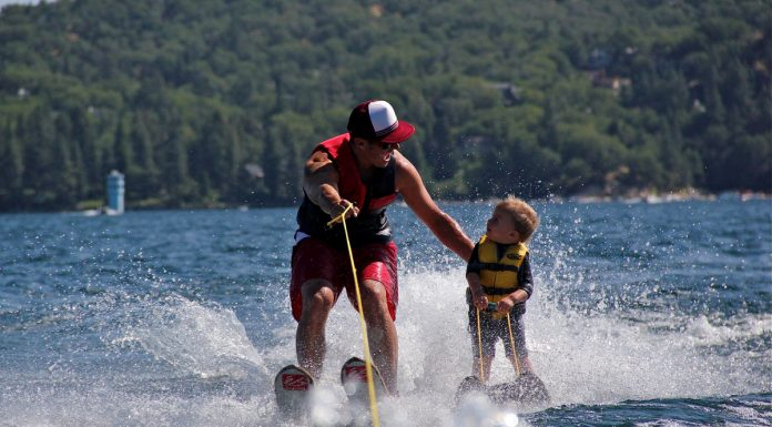 Esquiar en agua - Papá e hijo