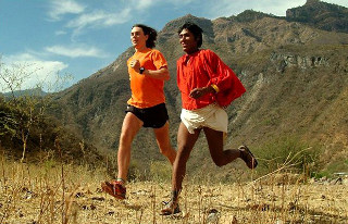 Tarahumara y blanco corren