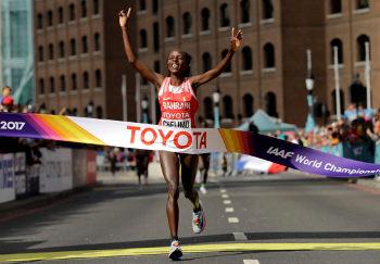 Rose Chelimo won Womens Marathon London 2017