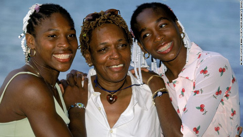 Serena Williams, su mamá y Venus, su hermana