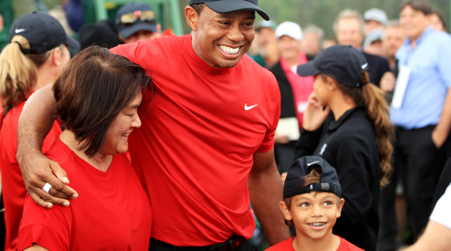 Tiger Woods y su mamá