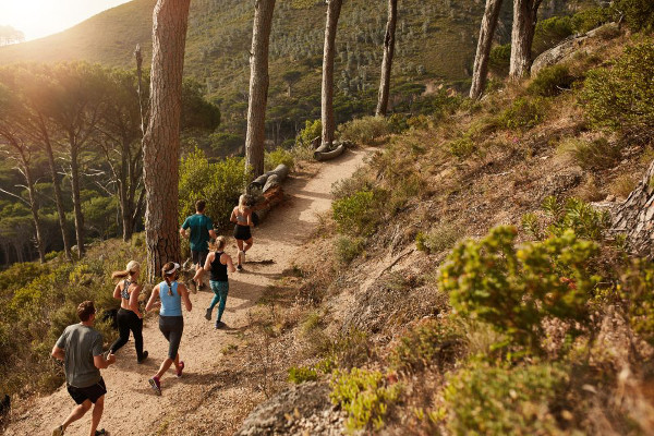 corredores en trail