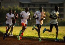 Kipchoge y equipo entrenan en Kenia