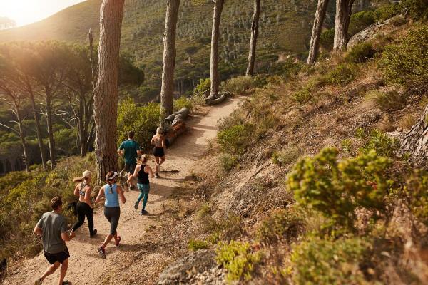Carrera de distancia en trail