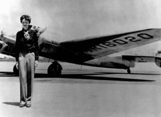 Amelia Earhart y el Lockheed Electra 1936