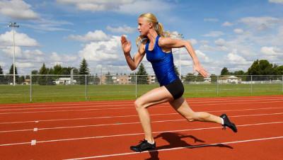 Entrena velocidad en pista