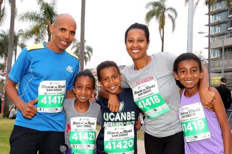 Meb Keflezighi y su familia corrieron el RnR San Diego