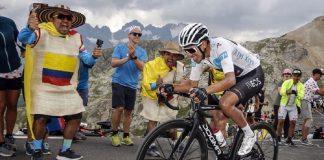 Egan Bernal sube - Tour de Francia 2019