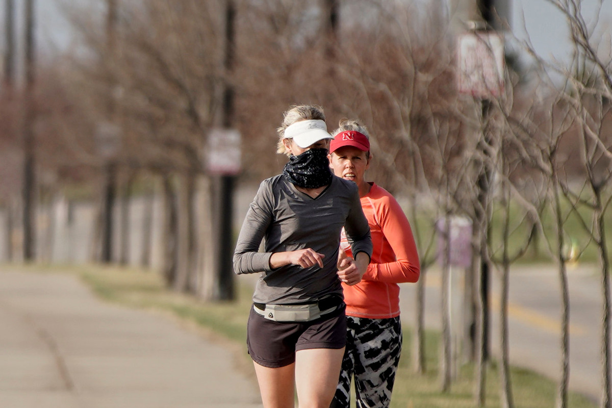 consejos-correr-andar-bici-cubrebocas