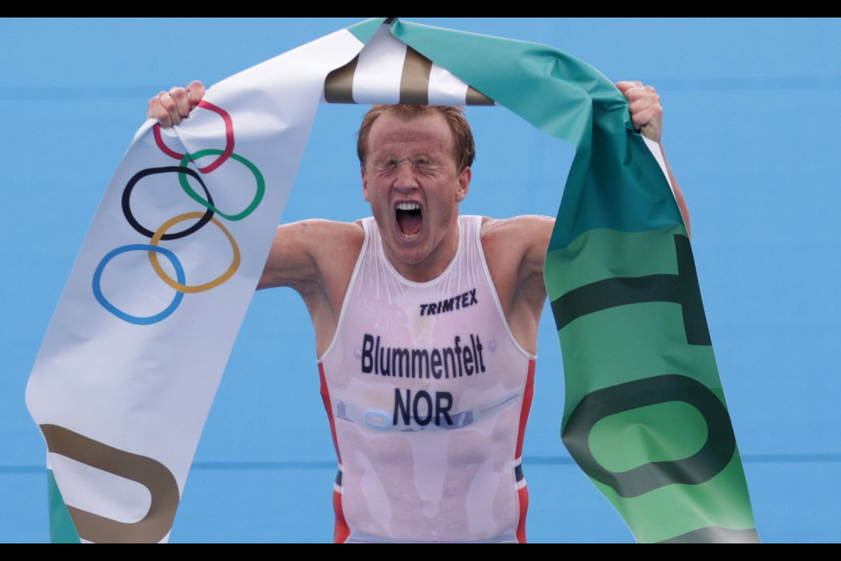 impresionante-paso-blummenfelt-se-impone-triatlon-olimpico-tokio-2020